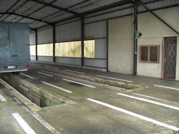 hangar avec fosse